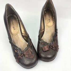 Madden Girl Rose + Ribbon Chocolate Heels Sz 8